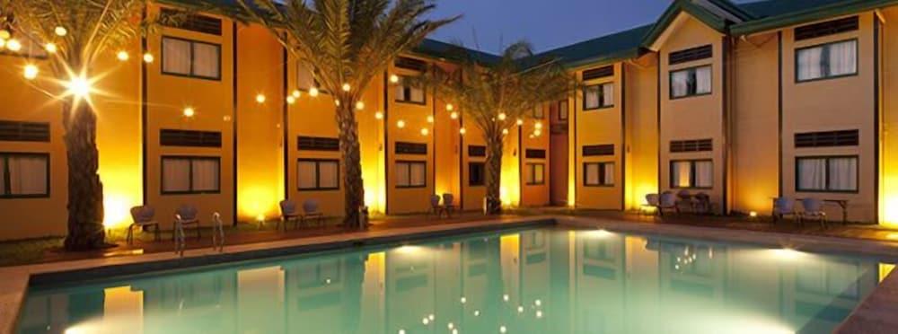 Microtel Inn by Wyndham Cabanatuan