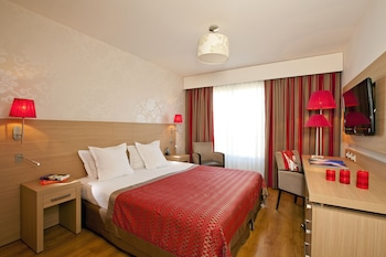 tarifs reservation hotels Residhome Appart Hotel Paris-Evry