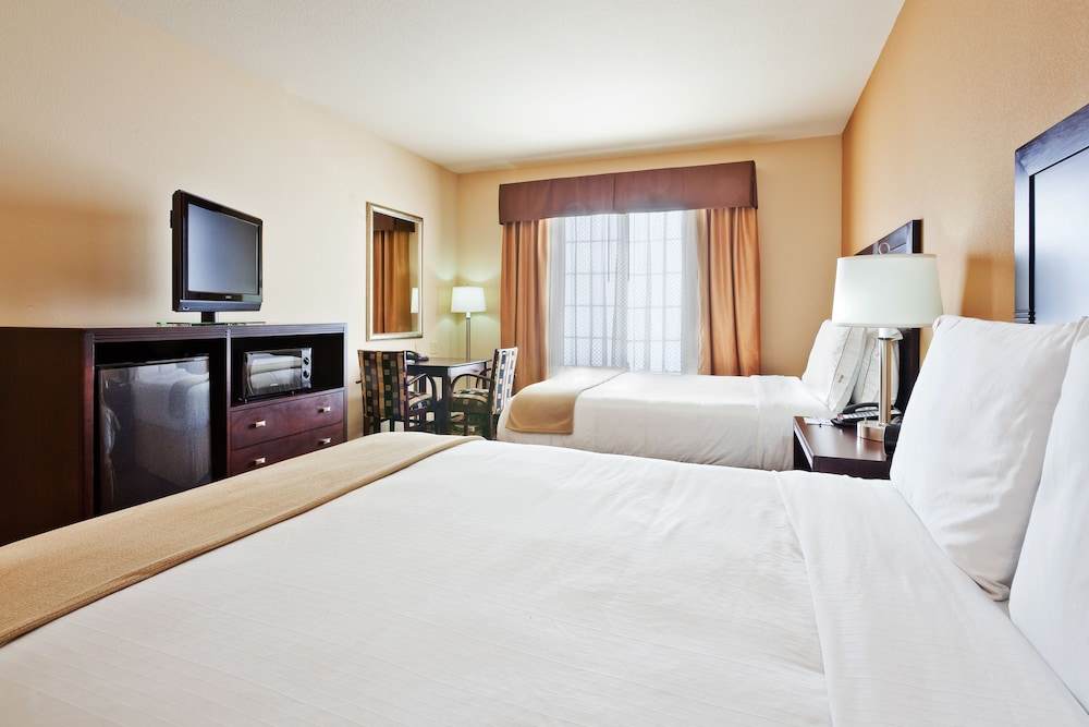 Holiday Inn Express Hotel & Suites Clovis