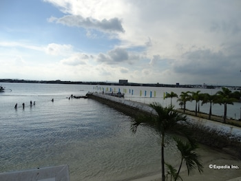 Bluejaz Resort Davao del Norte Beach
