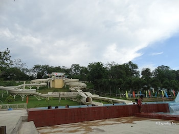 Bluejaz Resort Davao del Norte Waterslide