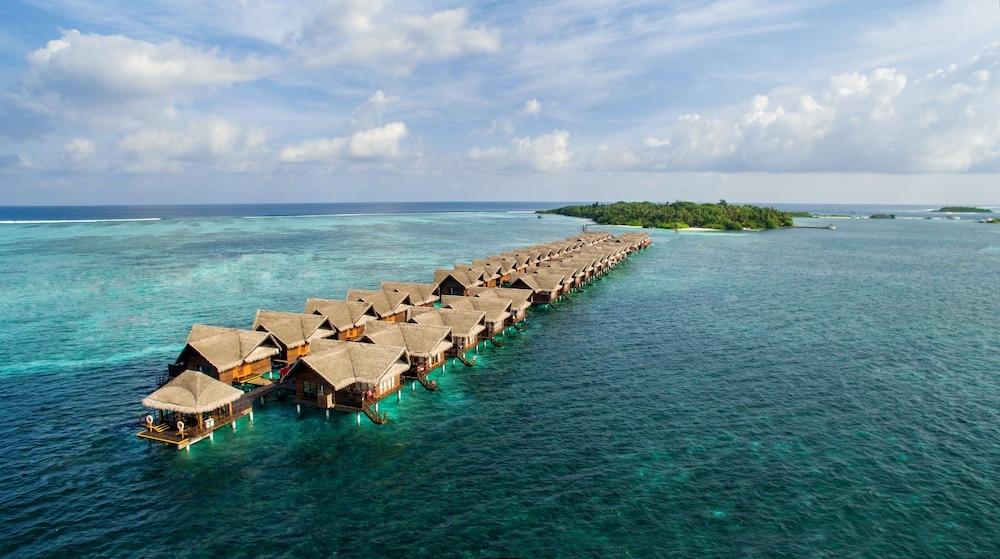 Adaaran Select Hudhuranfushi – Premium All inclusive