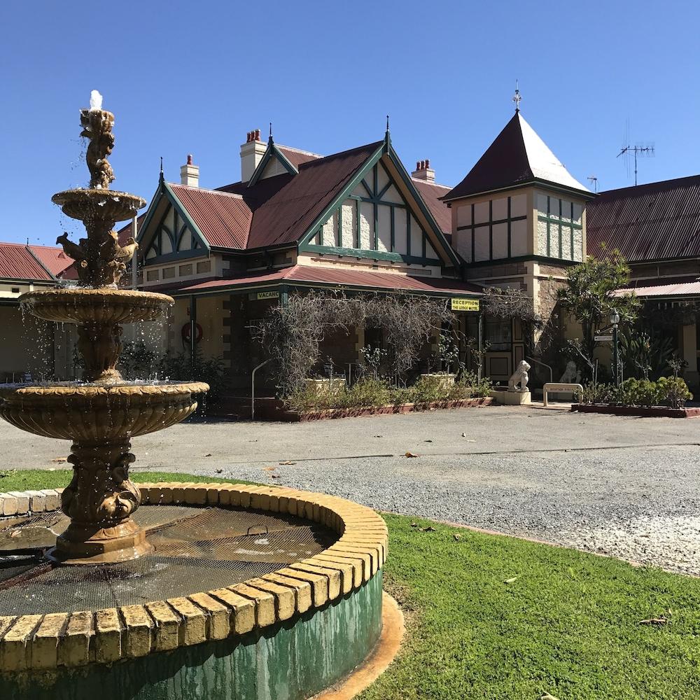 Lodge Outback Motel