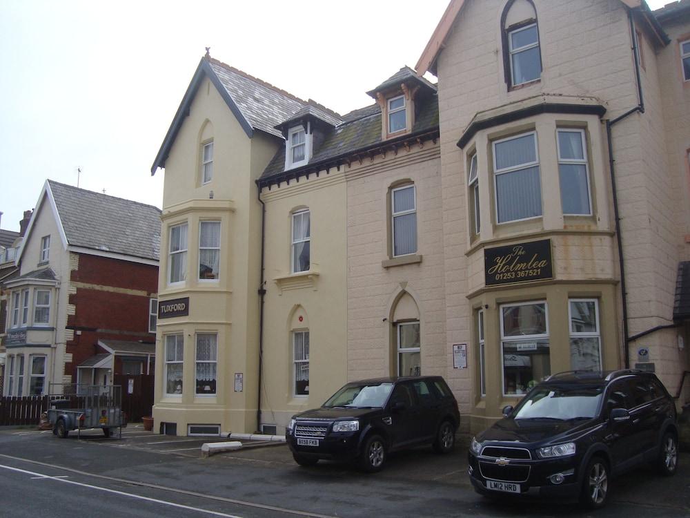 Tuxford House Hotel