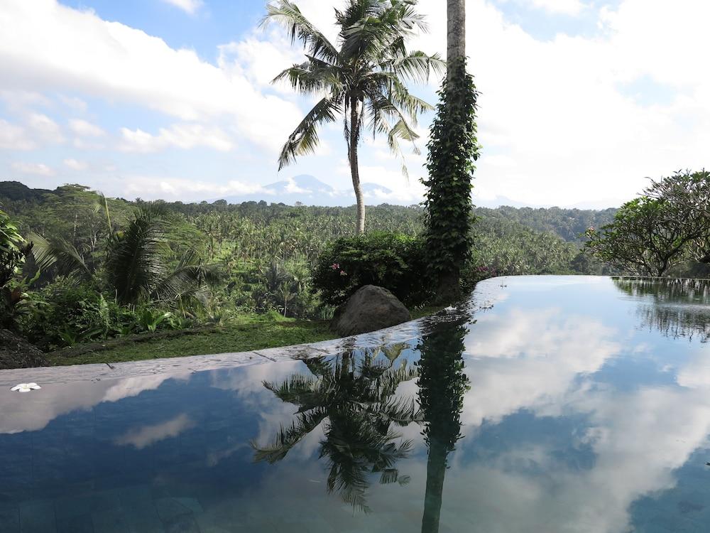 Taman Bebek Resort & Spa