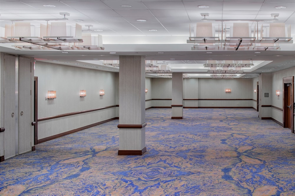 Ballroom/Hall 43 of 80