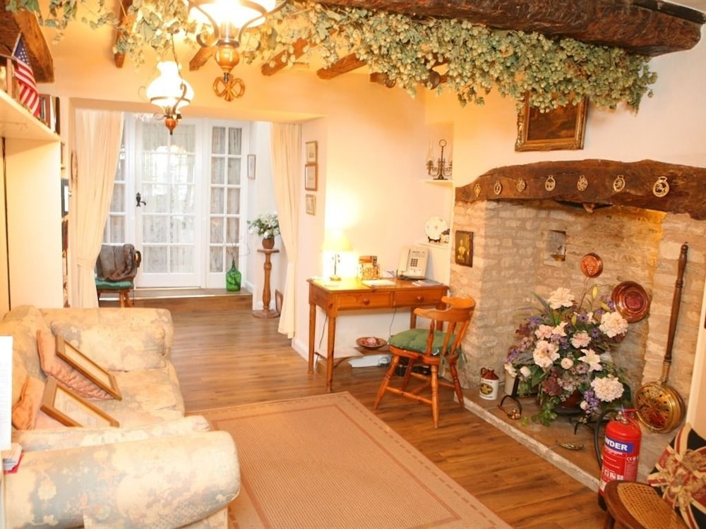 Cross Keys Cottage - Guest house