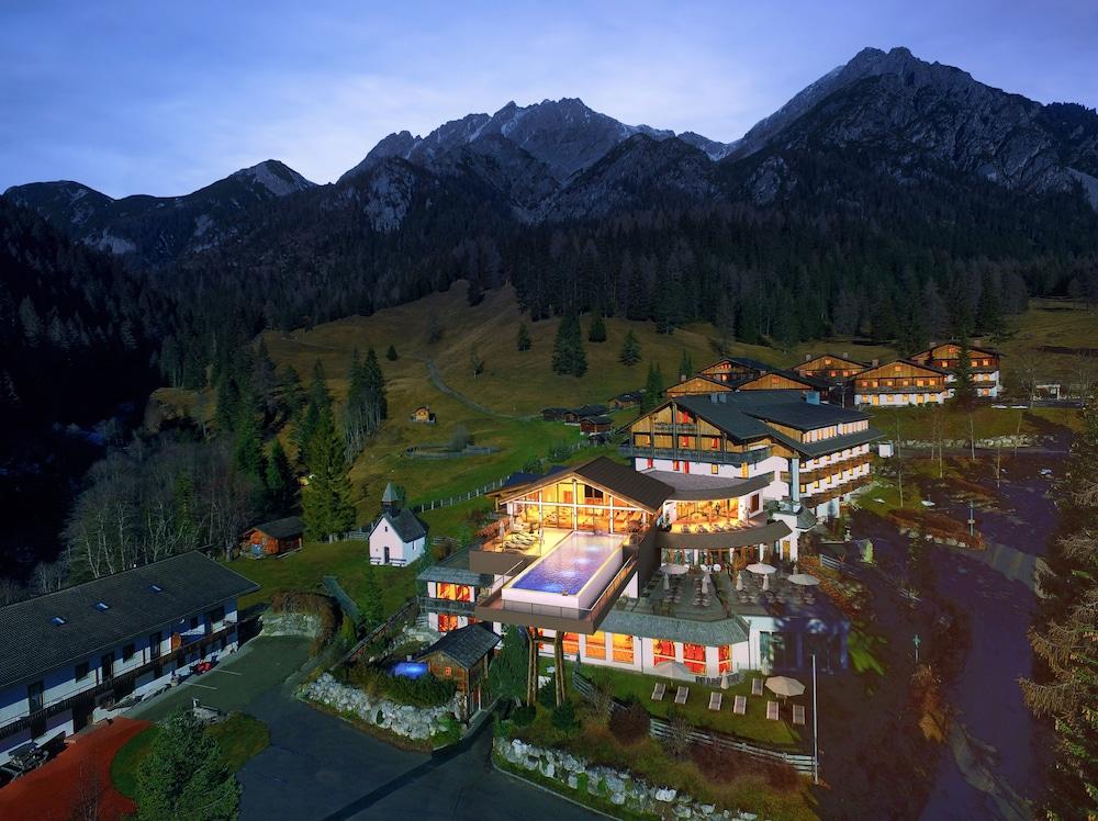 Almwellness-Resort Tuffbad