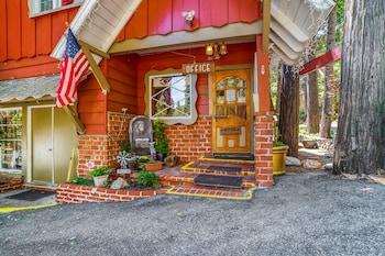 Townhouse Lake Arrowhead CA
