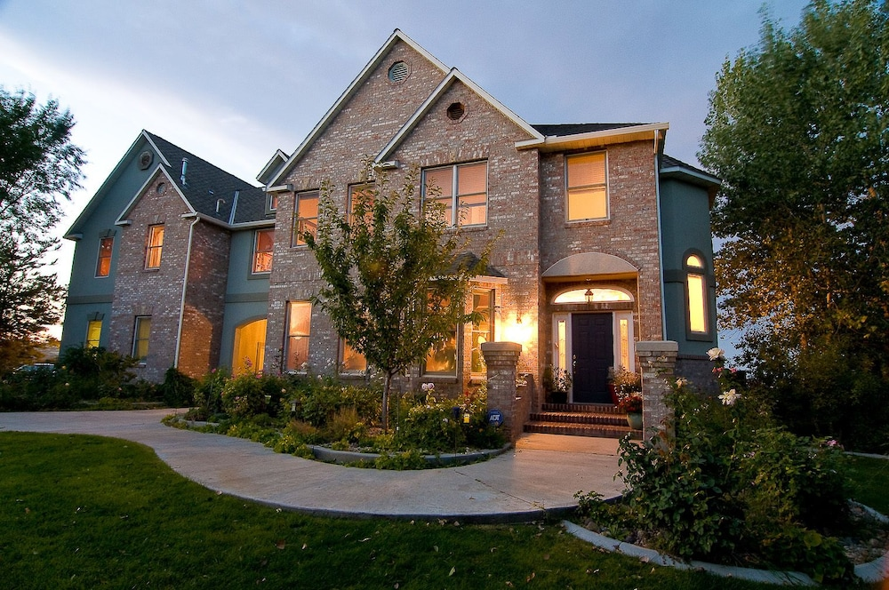 Wild Rose Manor Bed and Breakfast