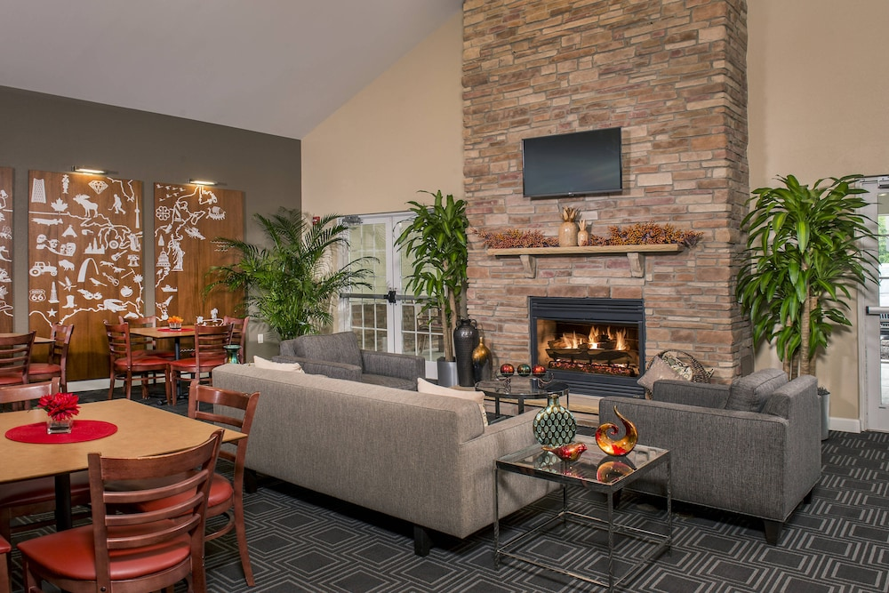 Towneplace Suites by Marriott Clinton at Joint Base Andrews
