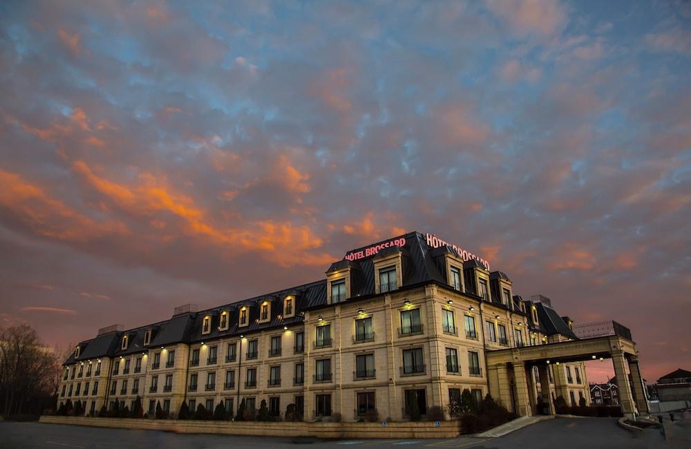 Hôtel Brossard