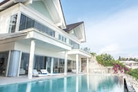 Four Bedroom Cliff Front Pool Villa