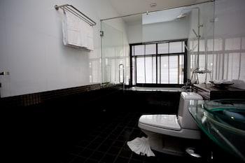 Palm Grove Resort - Bathroom  - #0