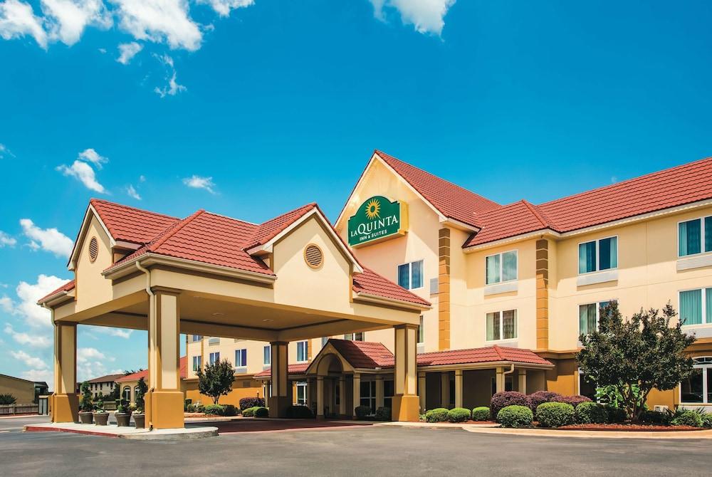La Quinta Inn & Suites by Wyndham Russellville