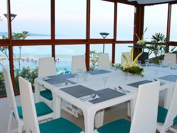 Fairways and Bluewater Resort Boracay Dining
