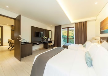 Fairways and Bluewater Resort Boracay Guestroom