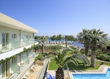 Photo for Malia Bay Beach Hotel & Bungalows in Malia
