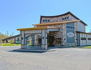 Waterbird Lakeside Inn in Chesterton, Indiana