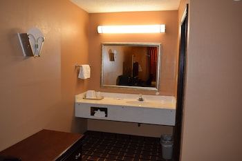 Econo Lodge - Bathroom  - #0