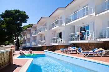 Photo for RVhotels Apartamentos Duplex Bon Sol in Torroella de Montgri