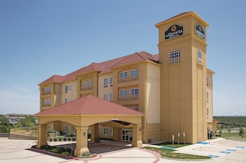 La Quinta Inn & Suites Ft. Worth - Lake Worth