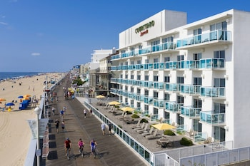 Courtyard Ocean City Oceanfront (311833) photo