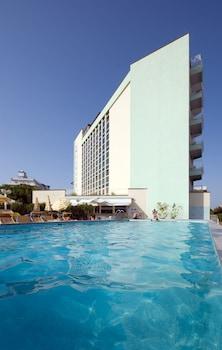 嫩布爾飯店