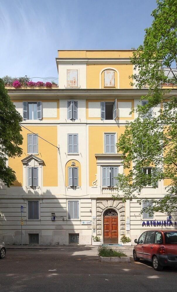 Astoria Palace