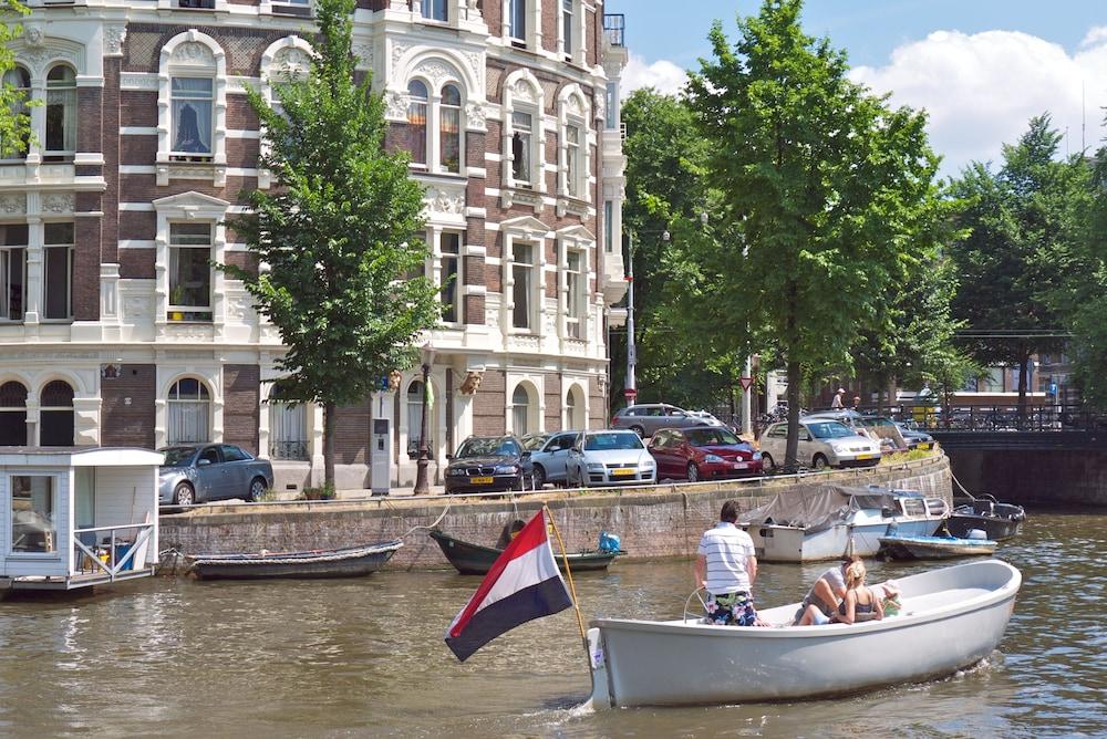 Quentin Amsterdam Hotel
