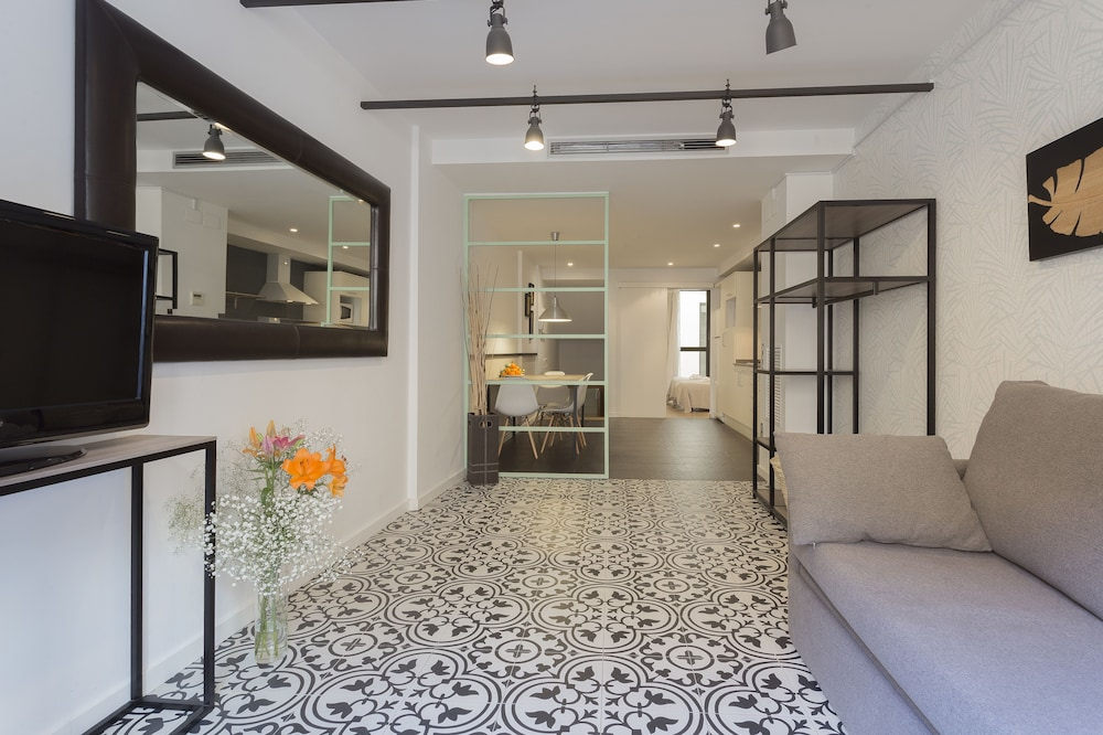 Short Stay Group Liceu Serviced Apartments