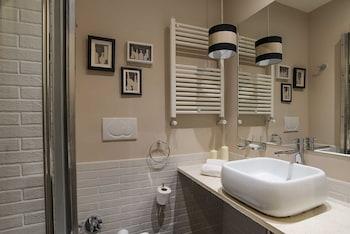 B&B 94 Rooms Vatican Scipioni - Bathroom  - #0