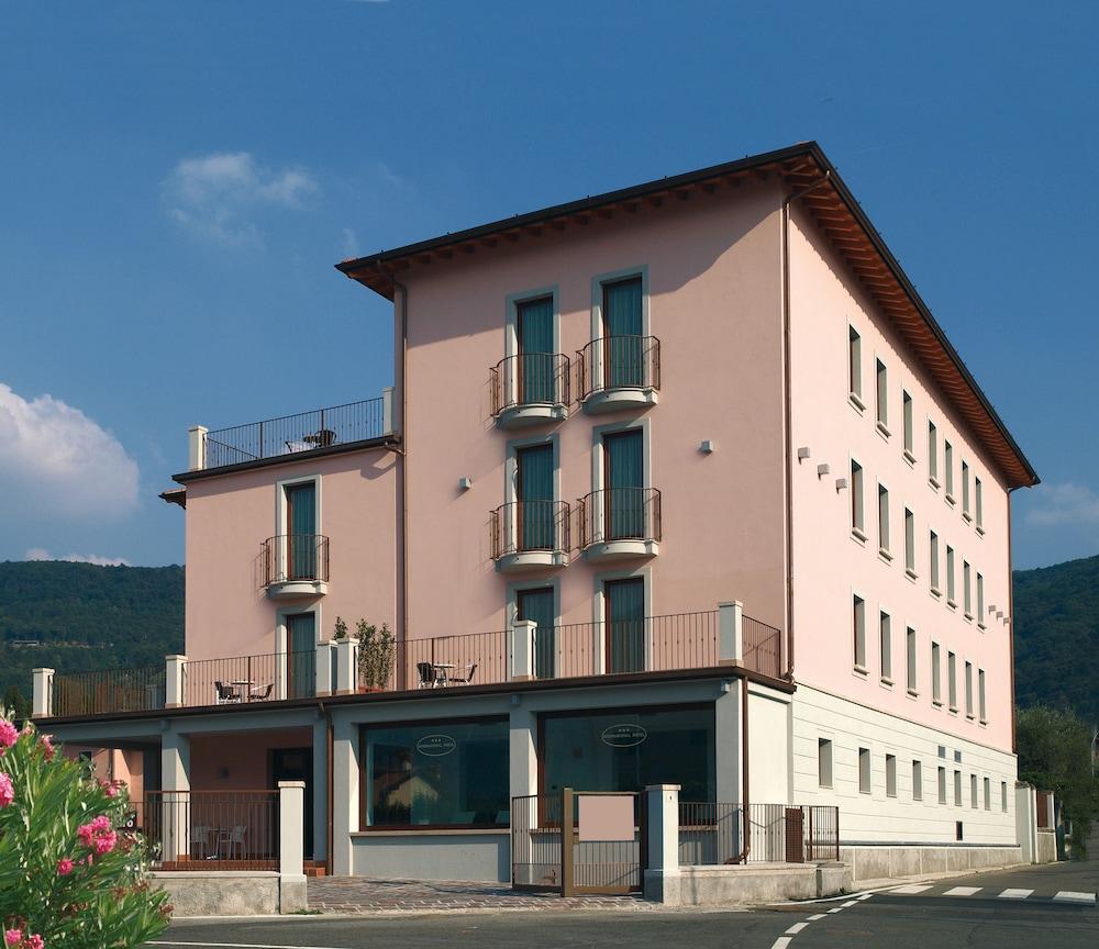 International Hotel Iseo