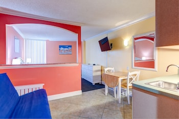 Pelican Pointe Hotel by Sunsational Beach Rentals LLC in Clearwater Beach, Florida