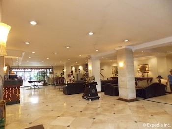 Diplomat Hotel Cebu Lobby