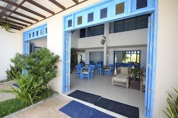 Microtel by Wyndham Puerto Princesa Hotel Bar