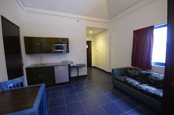 Microtel by Wyndham Puerto Princesa Guestroom
