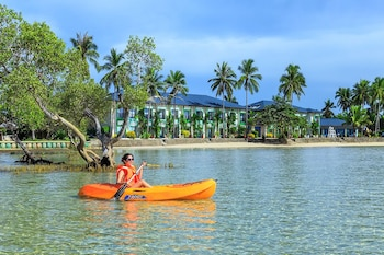Microtel by Wyndham Puerto Princesa Marina