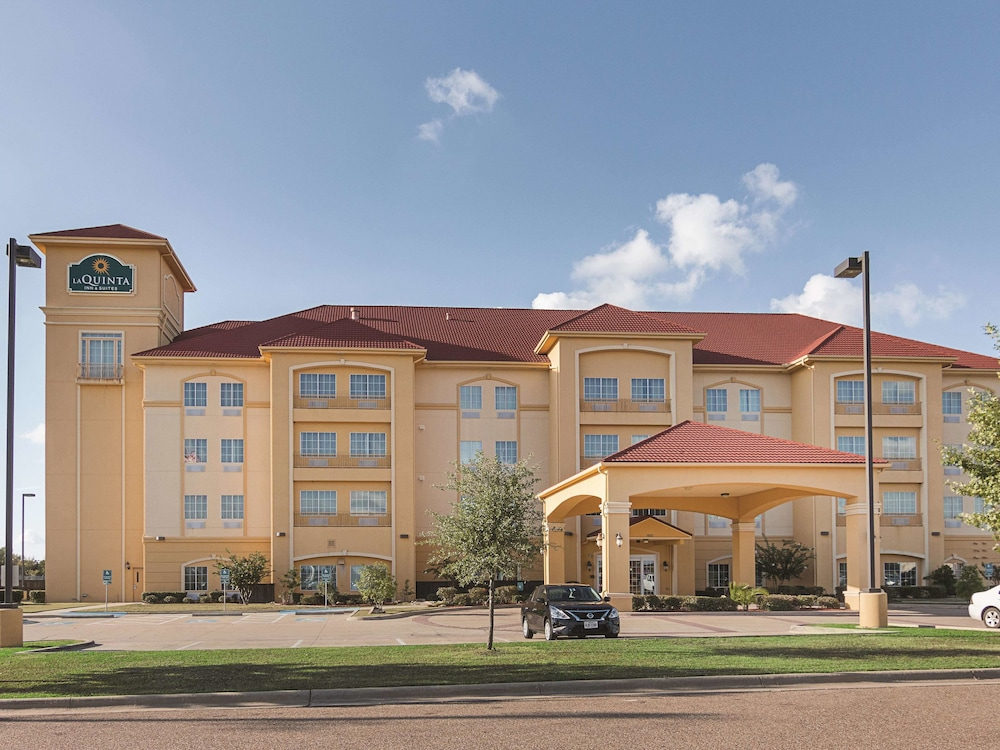 La Quinta Inn & Suites by Wyndham Mt. Pleasant