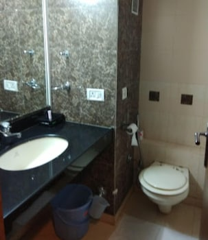 The Coronet Hotel - Bathroom  - #0