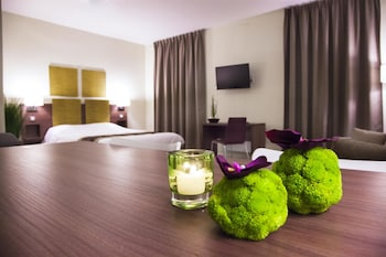 tarifs reservation hotels Kyriad Chambéry Centre - Curial