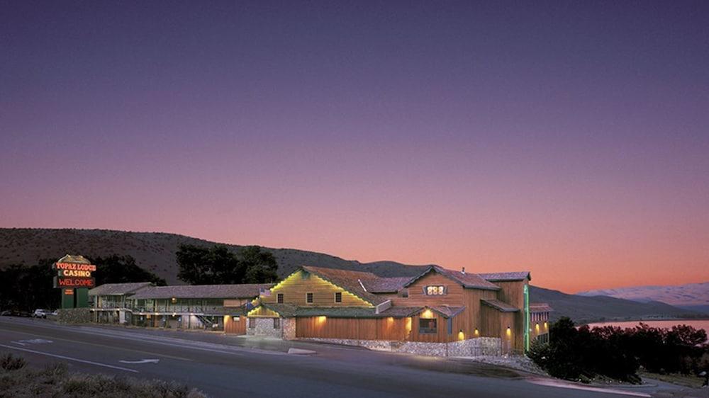 Topaz Lodge
