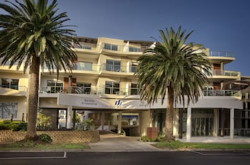 The Waves Apartments