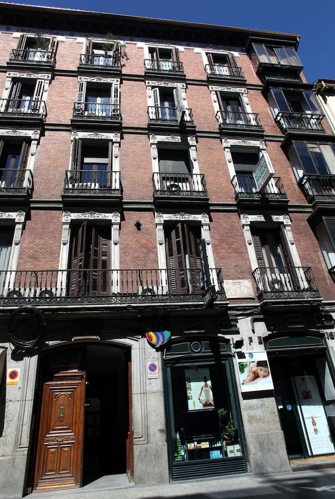 Hostal Atocha Almudena Martin