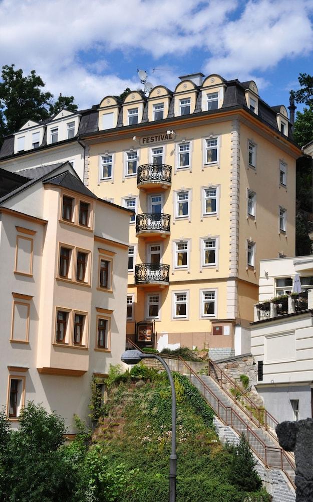 FESTIVAL Hotel Apartments