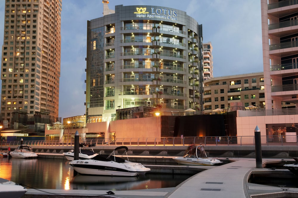 Signature Hotel Apartments & Spa