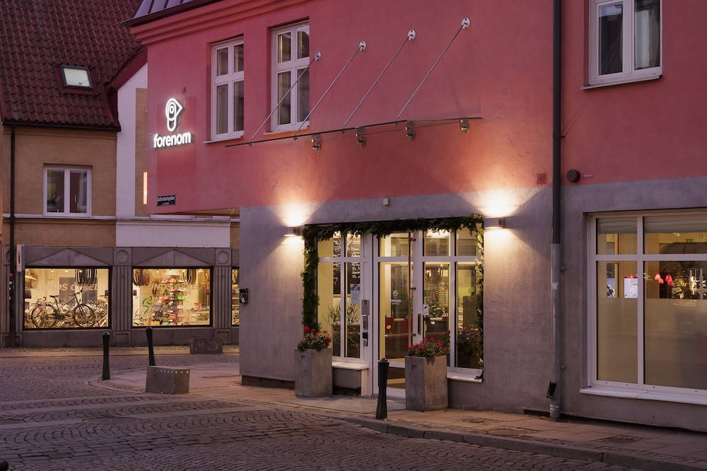 Lund Hotels 𝐁𝐨𝐨𝐤 𝐇𝐨𝐭𝐞𝐥𝐬 In Lund At Rs 2614
