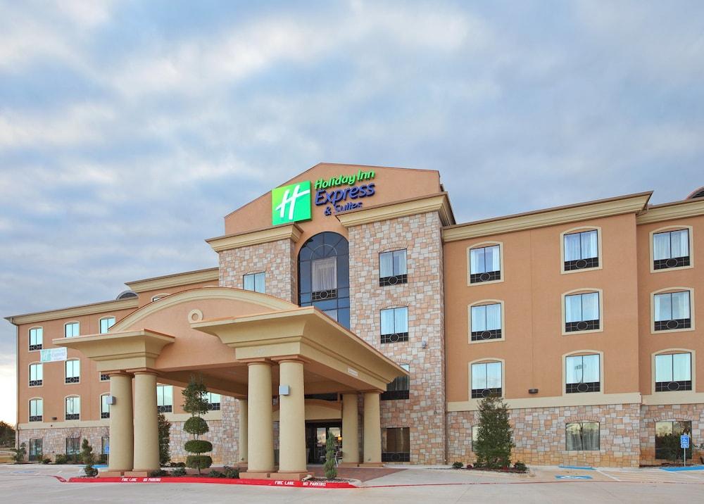 Holiday Inn Express & Suites Paris, Texas