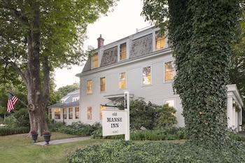 The Old Manse Inn in Brewster, Massachusetts