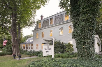 The Old Manse Inn in Brewster, Massachusetts